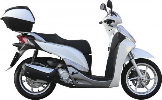 Piaggio Berverly 300i Vs Honda Sh 300i Sono Diversi Ma Si Battono